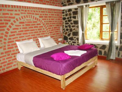 Gallery Cover Image of 1100 Sq.ft 2 BHK Villa for buy in Kodaikanal for 4500000