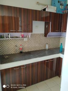 Gallery Cover Image of 650 Sq.ft 1 BHK Apartment for buy in Milakpur Goojar for 1550000