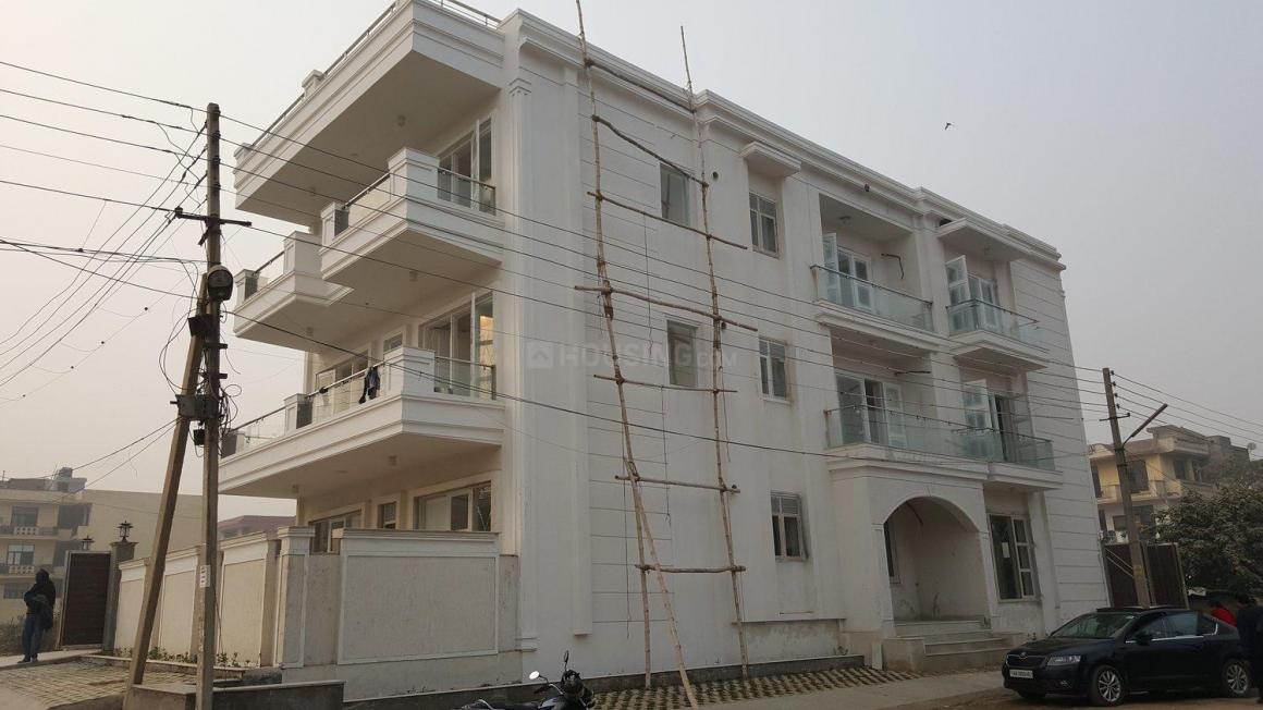 Building Image of 1800 Sq.ft 3 BHK Independent Floor for buy in Green Field Colony for 6130000