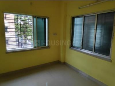 Gallery Cover Image of 600 Sq.ft 2 BHK Apartment for rent in Beliaghata for 8000