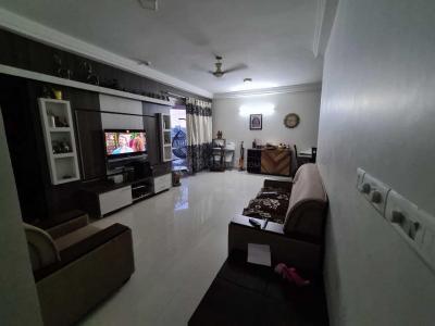 Gallery Cover Image of 2100 Sq.ft 3 BHK Apartment for rent in Vaswani Reserve, Kadubeesanahalli for 40000