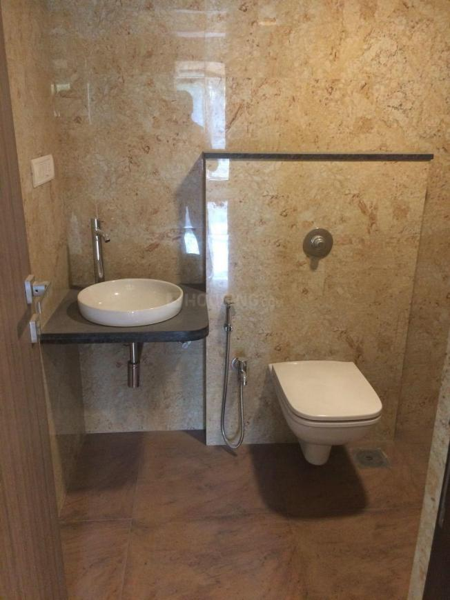Common Bathroom Image of 1112 Sq.ft 2 BHK Apartment for rent in Andheri East for 49900