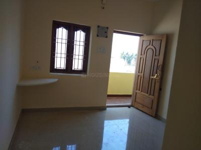 Gallery Cover Image of 500 Sq.ft 1 BHK Apartment for rent in Manimangalam for 5500