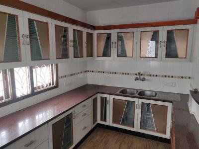 Gallery Cover Image of 1350 Sq.ft 2 BHK Apartment for rent in Sahakara Nagar for 25000