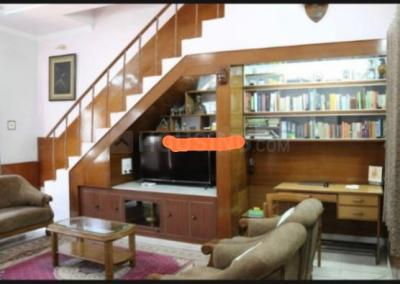 Gallery Cover Image of 3400 Sq.ft 4 BHK Independent House for buy in Mahanagar for 35000000