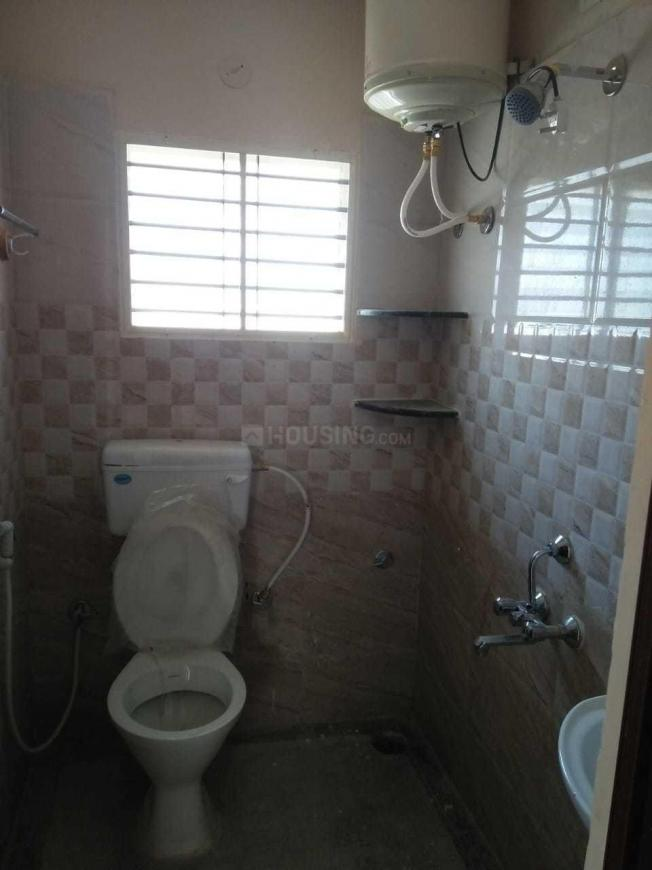 Common Bathroom Image of 700 Sq.ft 1 BHK Independent Floor for rent in HSR Layout for 18000