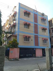 Gallery Cover Image of 900 Sq.ft 2 BHK Apartment for buy in Dhakuria for 4200000