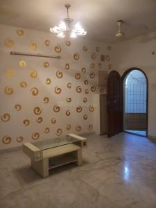 Gallery Cover Image of 1300 Sq.ft 3 BHK Apartment for rent in Choolaimedu for 26000