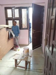 Gallery Cover Image of 500 Sq.ft 1 BHK Independent Floor for rent in Model Town for 15000
