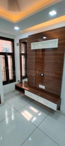 Gallery Cover Image of 650 Sq.ft 2 BHK Independent Floor for buy in Mahavir Enclave for 2900000