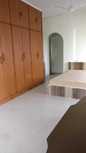 Gallery Cover Image of 1300 Sq.ft 3 BHK Apartment for rent in Bandra West for 110000