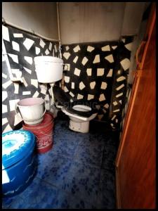 Bathroom Image of Fully Furnished Girl's Pg, Clean And Comfortable in Behala