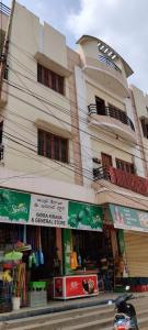 Gallery Cover Image of 1300 Sq.ft 2 BHK Apartment for rent in Kurmaguda for 9000