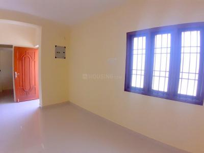 Gallery Cover Image of 800 Sq.ft 2 BHK Apartment for buy in Kattupakkam for 3500000