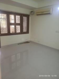 Gallery Cover Image of 1950 Sq.ft 3 BHK Apartment for rent in Sector 5 Dwarka for 29000