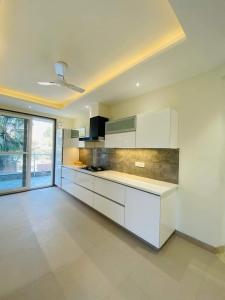 Gallery Cover Image of 3200 Sq.ft 4 BHK Independent Floor for buy in Sector 41 for 36500000