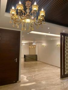 Gallery Cover Image of 2850 Sq.ft 5 BHK Independent Floor for buy in Niti Khand for 17600000