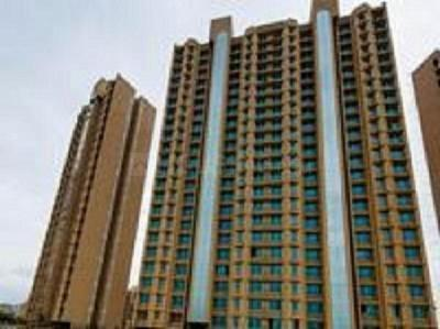 Gallery Cover Image of 780 Sq.ft 2 BHK Apartment for buy in Gurukrupa Marina Enclave, Malad West for 15000000