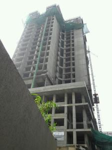 Gallery Cover Image of 825 Sq.ft 2 BHK Apartment for buy in Malad East for 16500000