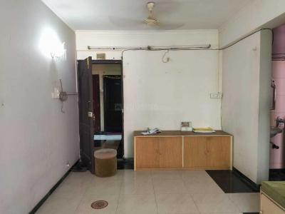 Gallery Cover Image of 600 Sq.ft 1 BHK Apartment for rent in Goregaon West for 35000