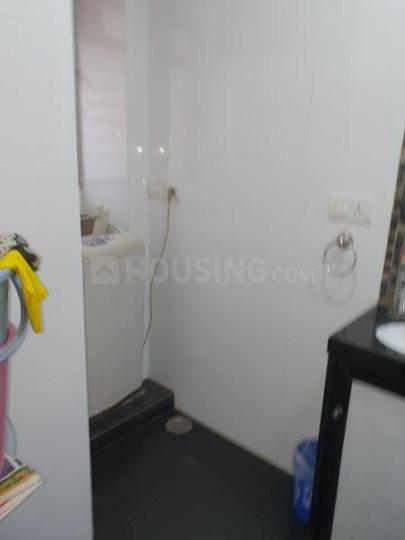 Common Bathroom Image of 600 Sq.ft 1 BHK Apartment for rent in Andheri East for 45000