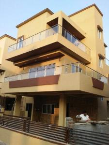 Gallery Cover Image of 3000 Sq.ft 3 BHK Villa for buy in Chochi for 18500000