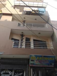 Gallery Cover Image of 900 Sq.ft 3 BHK Apartment for rent in Dabri for 13000