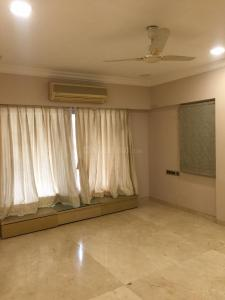 Gallery Cover Image of 1800 Sq.ft 3 BHK Apartment for rent in Juhu for 175000