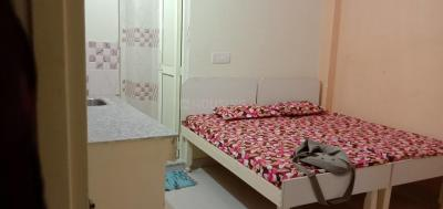 Gallery Cover Image of 350 Sq.ft 1 RK Independent Floor for rent in Sector 17 for 11000