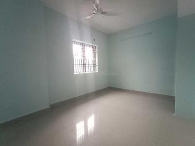 Gallery Cover Image of 1000 Sq.ft 2 BHK Apartment for rent in Urapakkam for 7500