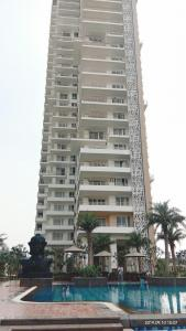 Gallery Cover Image of 1550 Sq.ft 2 BHK Apartment for rent in Sector 104 for 15000
