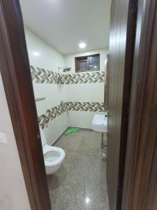 Gallery Cover Image of 1100 Sq.ft 2 BHK Independent Floor for rent in Ramesh Nagar for 18500