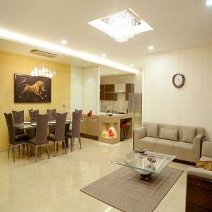 Gallery Cover Image of 1765 Sq.ft 3 BHK Apartment for buy in Andheri East for 35000000