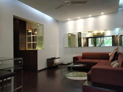 Gallery Cover Image of 900 Sq.ft 2 BHK Apartment for rent in Bandra West for 75500