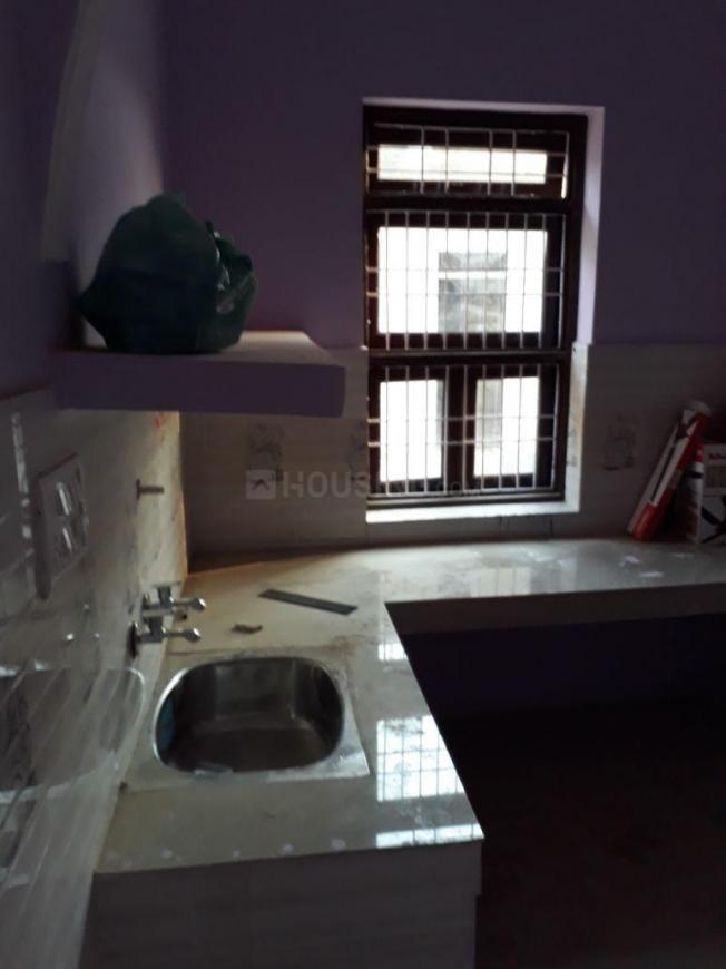 Kitchen Image of 560 Sq.ft 1 BHK Independent House for buy in Lal Kuan for 2000000
