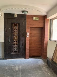 Gallery Cover Image of 550 Sq.ft 1 BHK Apartment for rent in Matunga West for 42000
