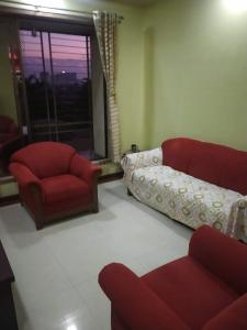 Gallery Cover Image of 1215 Sq.ft 3 BHK Apartment for buy in Symphony Tower, Kandivali West for 21500000