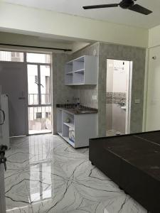 Gallery Cover Image of 225 Sq.ft 1 RK Apartment for rent in Sector 81 for 7500