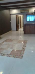 Gallery Cover Image of 1600 Sq.ft 3 BHK Apartment for rent in Cumballa Hill for 230000
