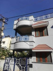 Gallery Cover Image of 1200 Sq.ft 2 BHK Independent House for rent in Hennur Main Road for 16000