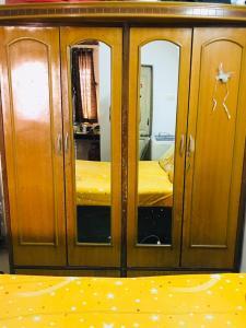 अंधेरी वेस्ट में पेइंग गेस्ट के बेडरूम की तस्वीर