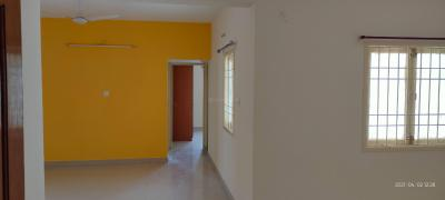 Gallery Cover Image of 1400 Sq.ft 3 BHK Apartment for rent in Vaikund Govardhan, Sholinganallur for 25000