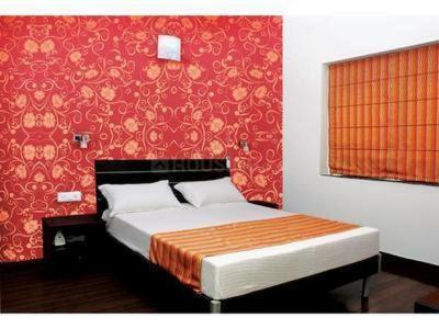 Gallery Cover Image of 3380 Sq.ft 4 BHK Apartment for rent in Khar West for 400000