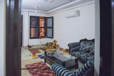 Gallery Cover Image of 1800 Sq.ft 3 BHK Apartment for rent in Chhattarpur Floors B288 - Ravi Sharma and Associates, Chhattarpur for 20000