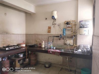 मनेसार में यादव पीजी के किचन की तस्वीर