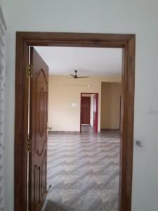 Gallery Cover Image of 1100 Sq.ft 2 BHK Apartment for rent in Maduravoyal for 16000