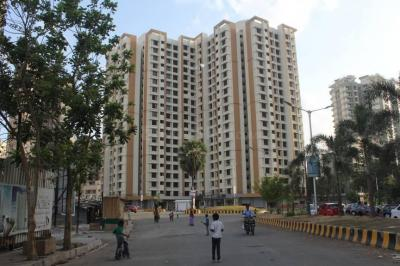 Gallery Cover Image of 631 Sq.ft 1 BHK Apartment for buy in Hiranandani Estate for 5800000