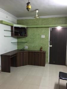 Gallery Cover Image of 585 Sq.ft 1 BHK Apartment for rent in Thakur Gayatri Satsang, Kandivali East for 25000