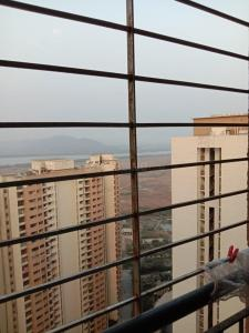 Gallery Cover Image of 900 Sq.ft 2 BHK Apartment for rent in Lodha Splendora, Thane West for 25000