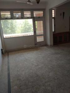 Gallery Cover Image of 1500 Sq.ft 3 BHK Apartment for rent in Sri Ram Apartment , Sector 4 Dwarka for 27000